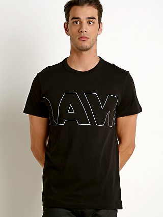 Model in dk black G-Star RC Kremen T-Shirt