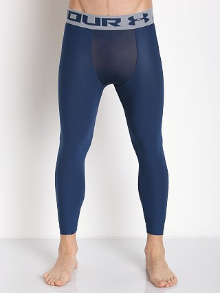 Model in blackout navy Under Armour Heatgear 2.0 3/4 Compression Legging