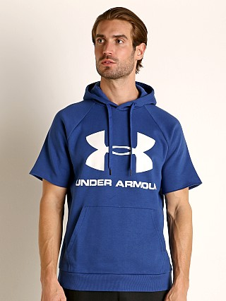 Model in american blue Under Armour Rival Fleece Logo Shortsleeve Hoodie