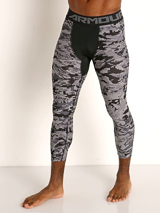 Model in black/grey camouflage Under Armour HeatGear Armour 3/4 Leggings Black/Grey Camo