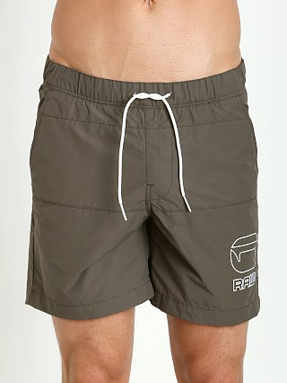 Model in raw grey G-Star Yoshem Raw Beach Shorts Dizrey