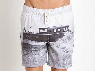 Model in light chalk G-Star Yoshem Raw Ferry Beach Shorts