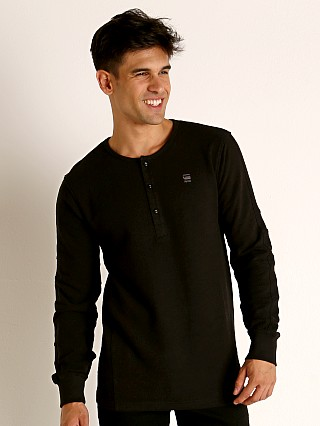 Model in dk black G-Star Motac Grandad Long Sleeve Henley