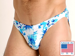 Model in moulin bleu LASC Super Low Rise Swim Brief